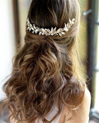 Peinados de novia media cola