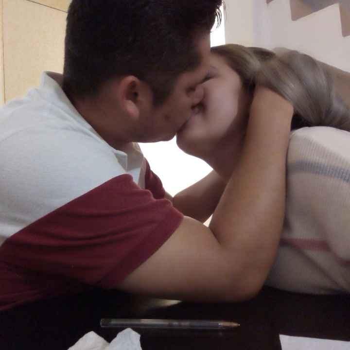 Beso en redes sociales 💋 - 2