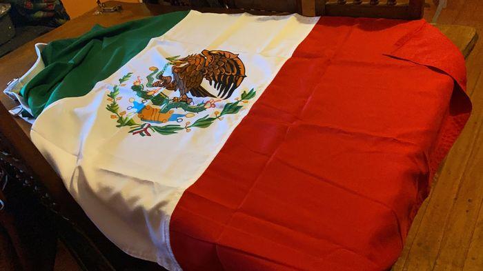 Nuestras Banderas - 1