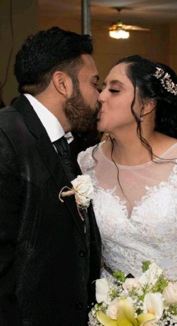 Muestren su beso favorito con su Fm/esposo 17