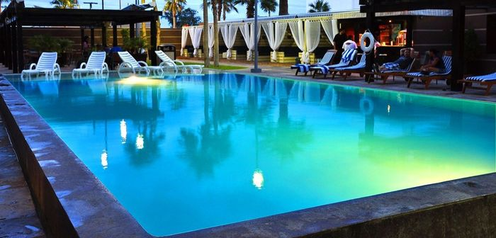 Tener luna de miel foro luna de miel for Quality piscinas