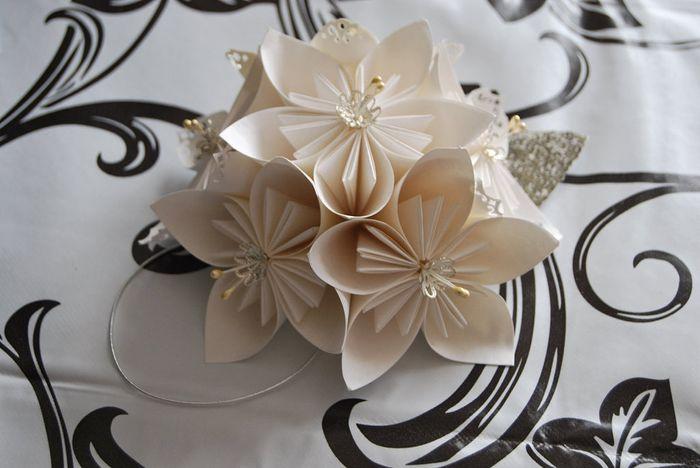 flor de origami foro manualidades para bodas. Black Bedroom Furniture Sets. Home Design Ideas