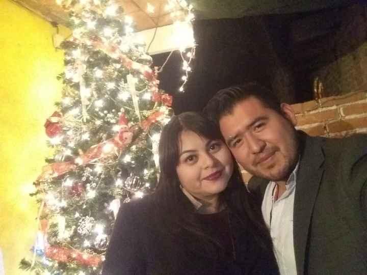 ¿Ya te tomaste alguna foto navideña con tu pareja? 🎅 - 1