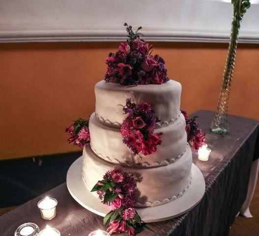 5 pasteles de boda con flores 2
