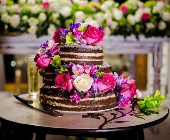 5 pasteles de boda con flores 5