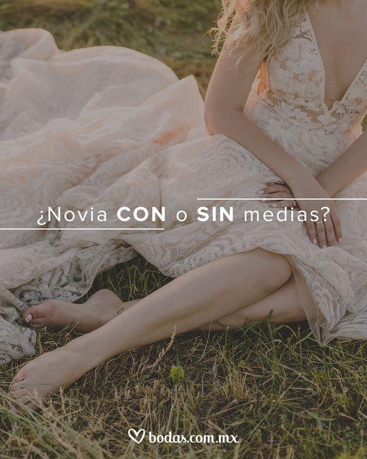 ¿Novia CON o SIN medias? 1
