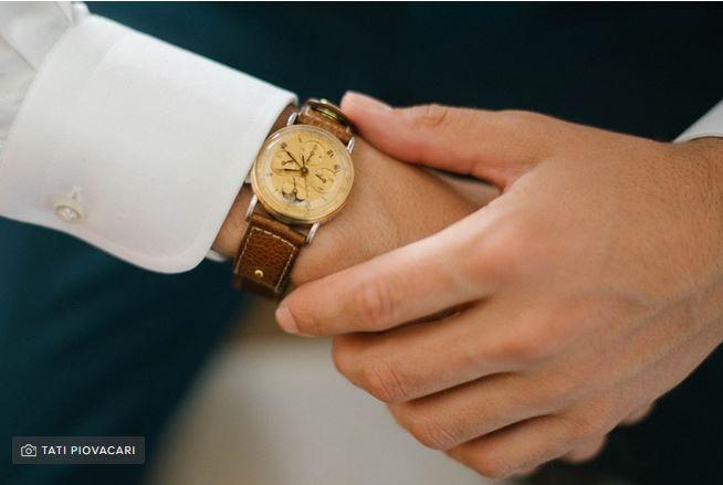 Esencial o lujo: reloj de compromiso 2