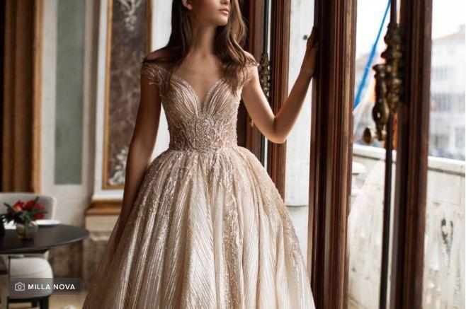 ¿Te atreverías a llevar un vestido/ traje de color? 1