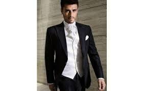 Outfit del novio foro moda nupcial for Trajes de novio blanco para boda
