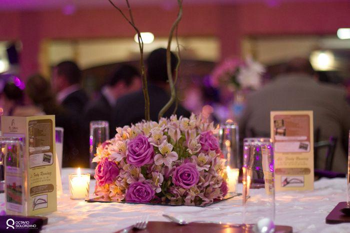 Centros de mesa y arreglos de salon e iglesia foro organizar una boda - Mesa de centro de salon ...