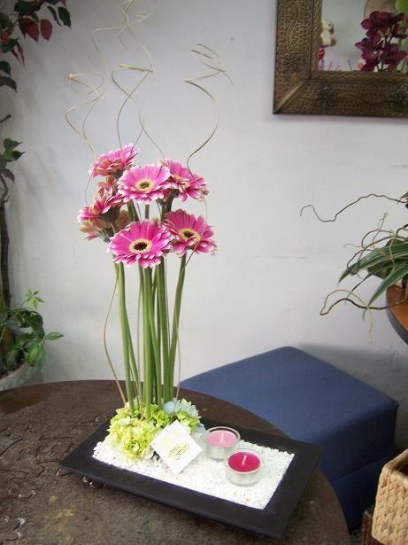 Centro de mesa minimalista fotos manualidades para bodas for Mesa para manualidades