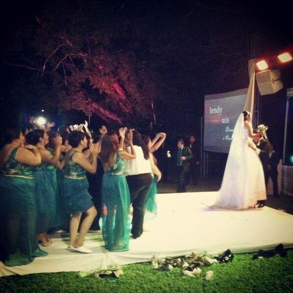 Obsequios para las que se levantan a recibir el ramo for Obsequios de boda