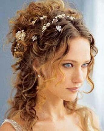 Peinado novia pelo corto rizado