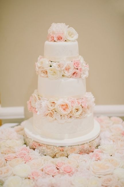 wedding cakes with flowers in between the tiers pasteles con flores naturales 7 fotos bodas mx 26021