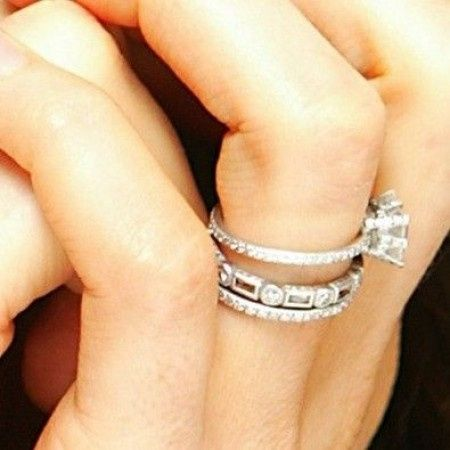 Como usar el anillo de compromiso y la argolla de matrimonio