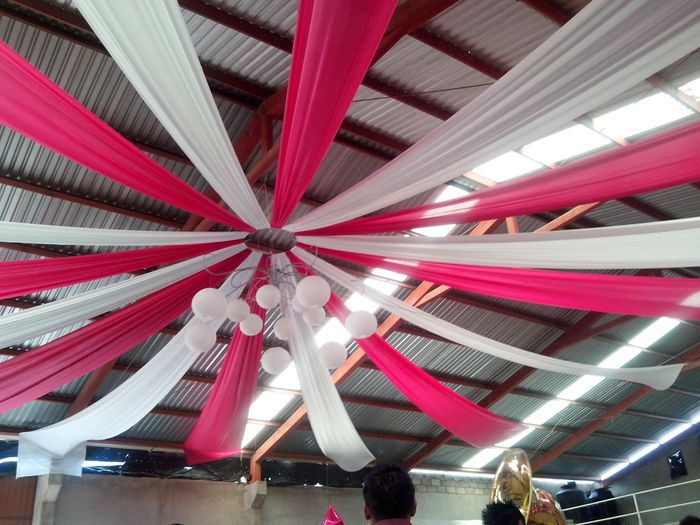 Tela para adornar foro organizar una boda for Telas para decorar salones