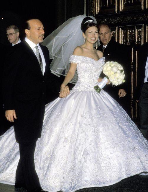 qué vestido gana? ¿thalía o paulina? - foro bodas famosas - bodas.mx