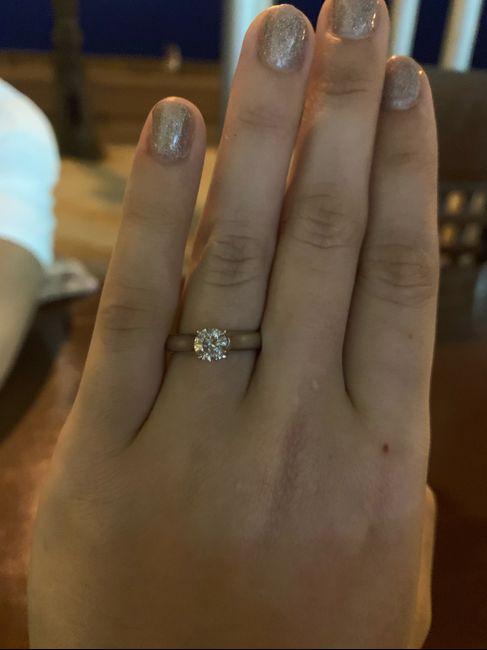 Simón dice....muéstrame tu anillo de compromiso💍 - 1