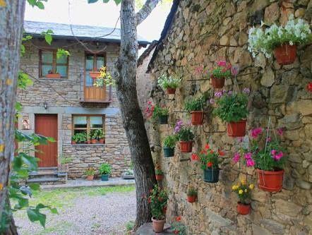 Ayuda como decorar estos muros feos foro organizar una for Decorar muro jardin