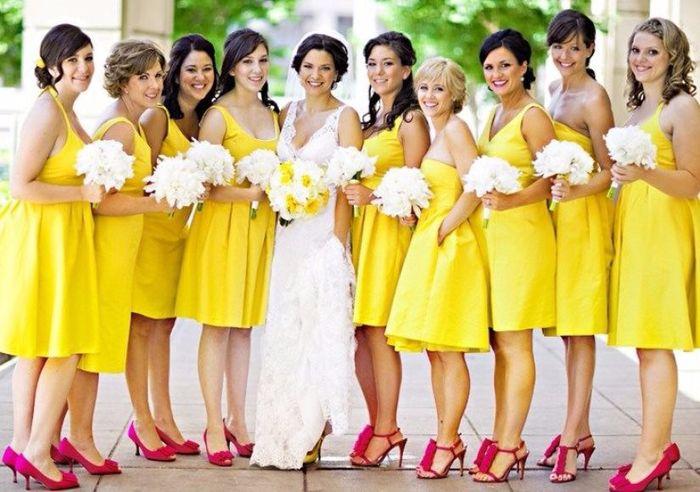 Resultado de imagen para vestido de damas color amarillo