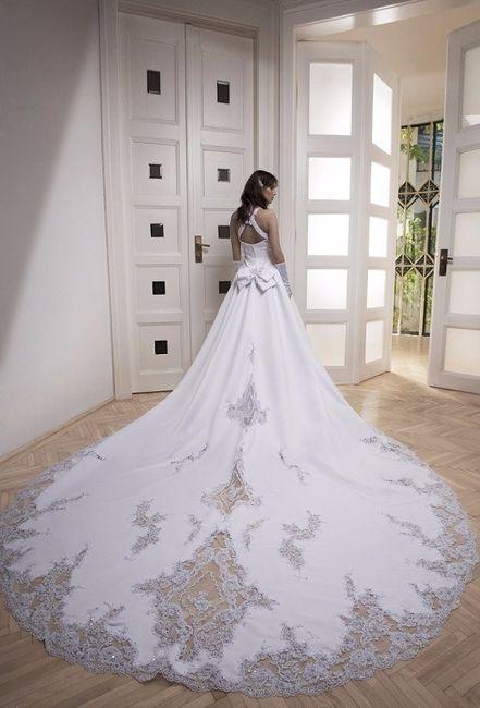 8bb3cbe4c CAUDA CATEDRAL. CAUDA CATEDRAL. La cola de Catedral es ideal para una  ceremonia formal con una novia tradicional que ...
