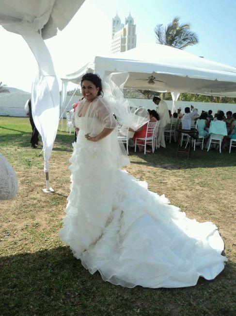 que prefieren cola del vestido de novia largo o el velo largo