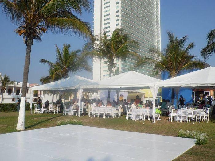 Novias de mty foro organizar una boda for Capitolio eventos jardin