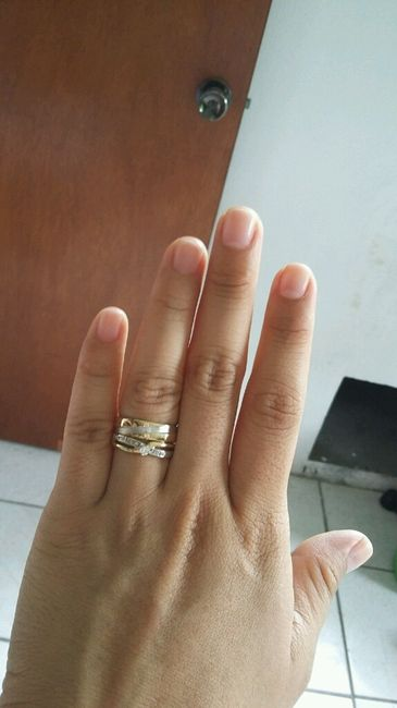 A 19 d as m s avances 9 fotos comunidad for En que mano se usa el anillo de compromiso