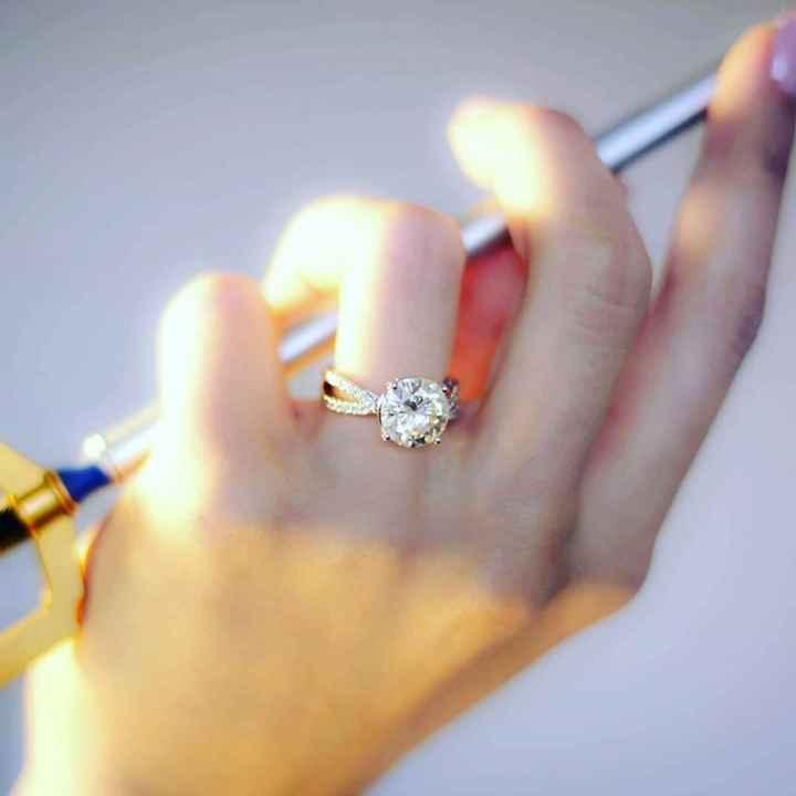 Presuman su anillo de compromiso💍 y como sucedió 😍🤭 - 1