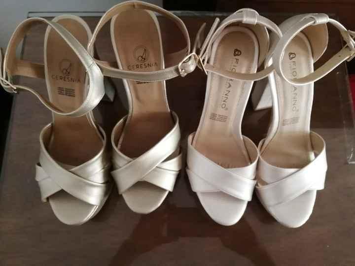 Zapatos blancos y zapatos dorados 😍 - 2