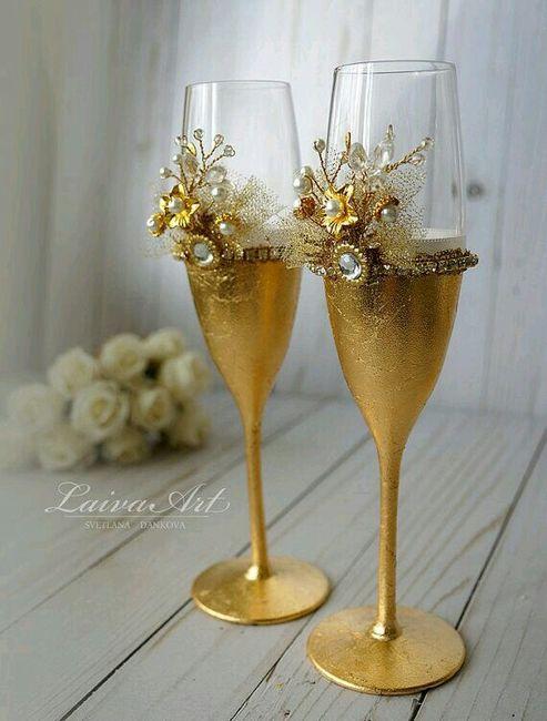 copas decoradas en dorado foro banquetes. Black Bedroom Furniture Sets. Home Design Ideas