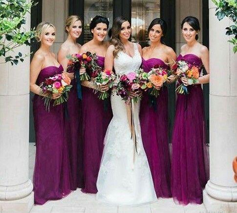 Vestidos de damas de honor color sangria