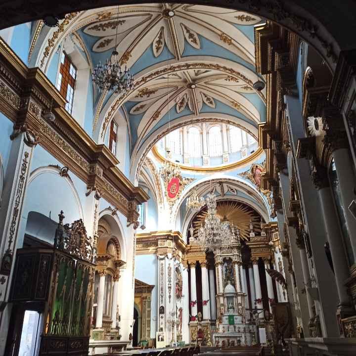 Quién conoce alguna iglesia para casarse en domingo? - 2