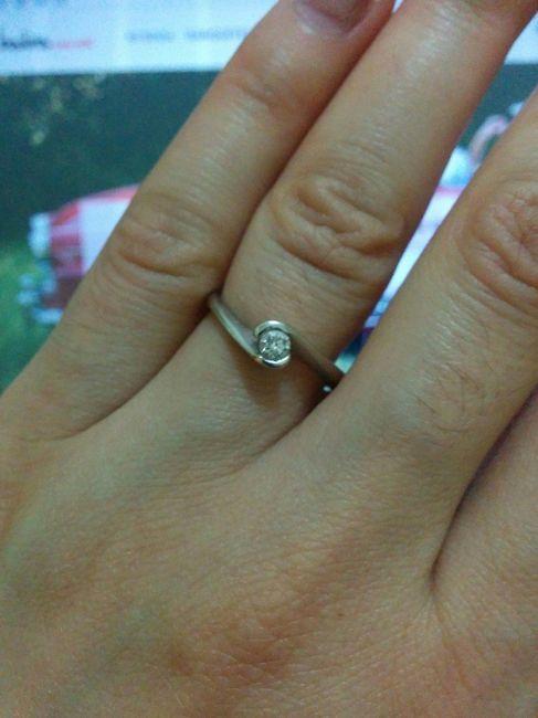 6bc32eee5307 Mi anillo de compromiso es difererente