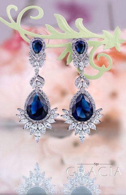 Aretes azules en tu boda 11