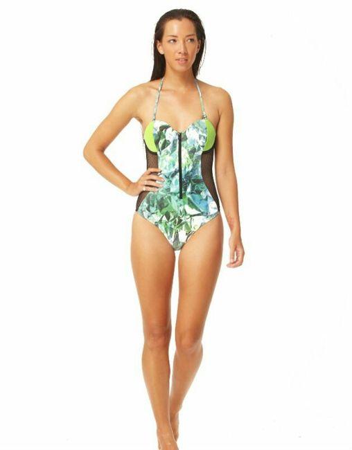 C mo elegir tu traje de ba o seg n la forma de tu cuerpo for Espejo de pared cuerpo entero