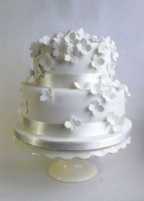 Pasteles de boda blancos 12