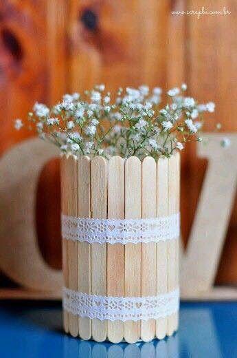 Floreros con palitos de paleta 1