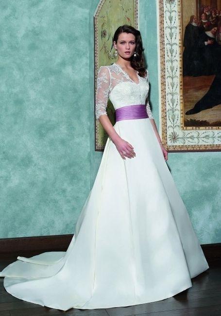 Vestidos de novia con un toque de color