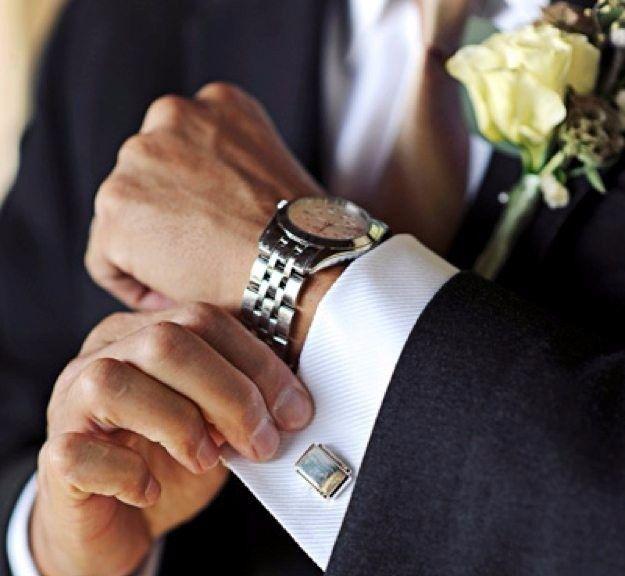 Novio: Sabías de la tradición del reloj de compromiso?? 3