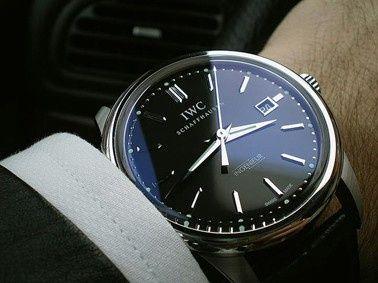 Novio: Sabías de la tradición del reloj de compromiso?? 4