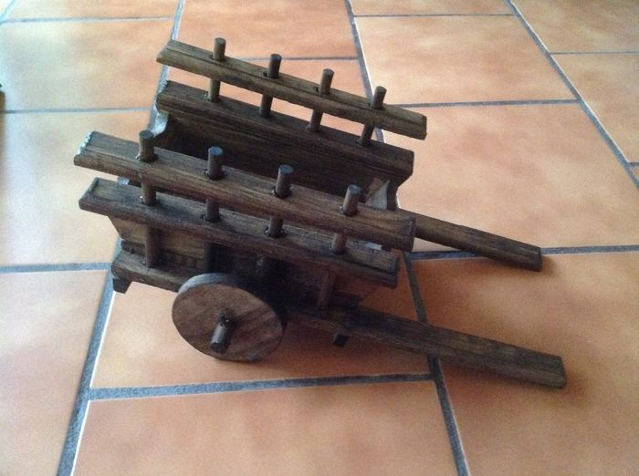 Carretas centros de mesa foro manualidades para bodas for Carretas de madera para jardin