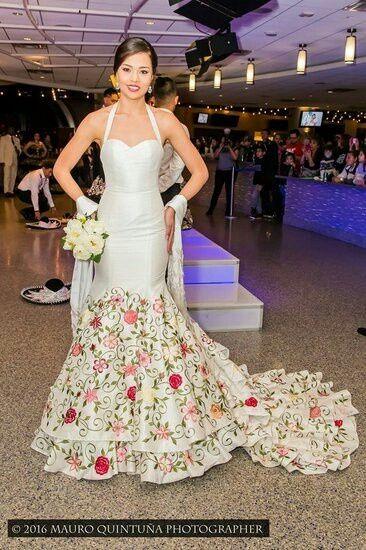 Vestidos de novia tipo escaramuza