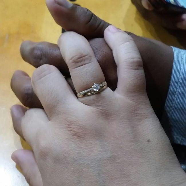 Hubiera elegido otro anillo de compromiso: ¿V o F? 9