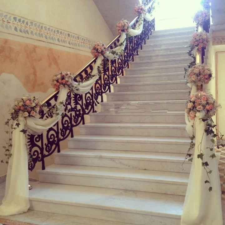 decora las escaleras de tu salon en tonos lilas o malva - 2