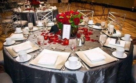 Decoración para boda en blanco y rojo 10
