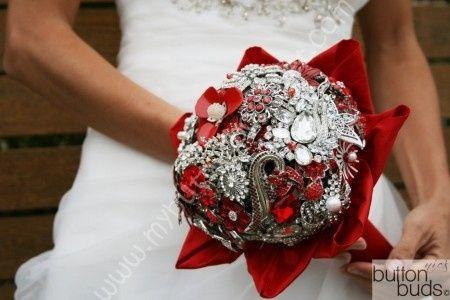 Decoración para boda en blanco y rojo 11