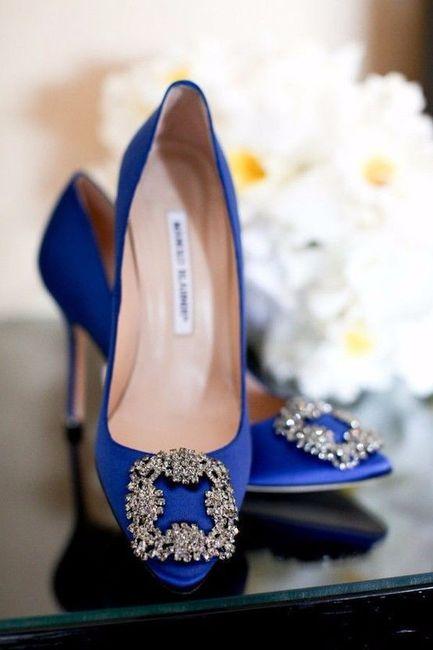 35a784a9 manolo blahnik zapatos Hola, saben donde puedo comprar estos zapatos o lo  mas parecido en Mexico? 1