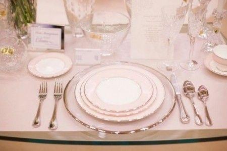 Vajilla para el banquete con toques met licos foro for Vajillas elegantes