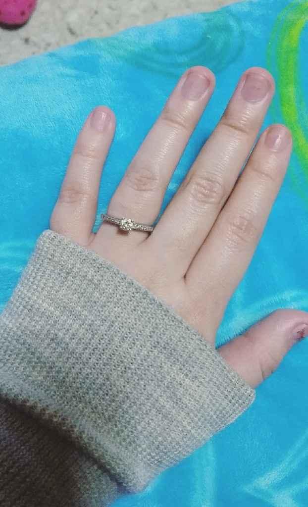 a presumir su anillo 💍 - 2